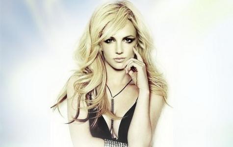 Britney Spears in Toxic. Simple Plan - Save You (traducida al español).